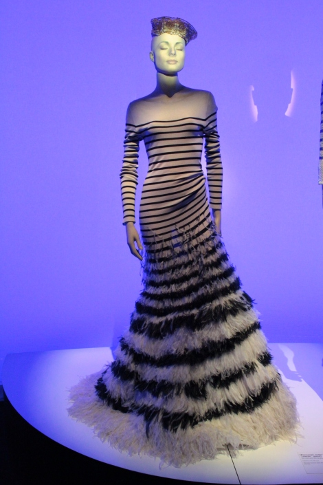"""Romantic India Collection"", ""Lascar"" Gown Haute-Couture, Spring Summer 2000, 160 heures de travail."